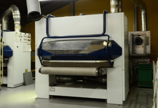 3次元バリ取り機 GYRO-1300VAC+Fladder AUT